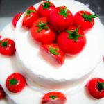 Tort z pomidorkami