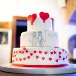 Tort na ślub Ona i On, serca, czerwony