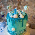Tort ociekający (drip) na urodziny